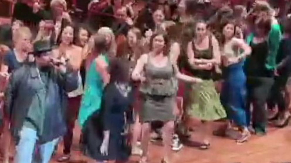 VIDEO: Seattle Symphony Performs Baby Got Back