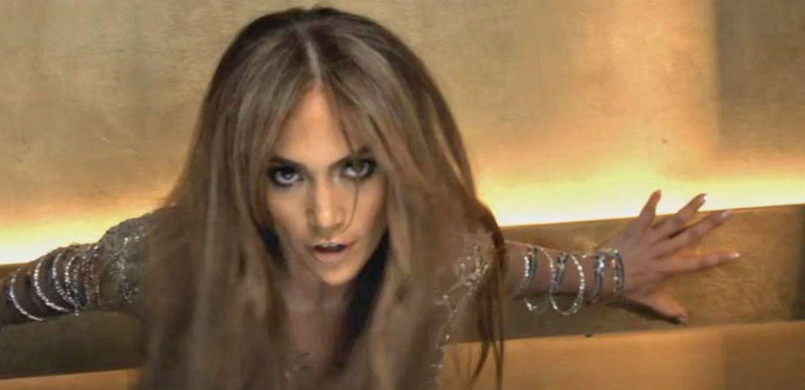 VIDEO: Jennifer Lopez to Host 2015 American Music Awards