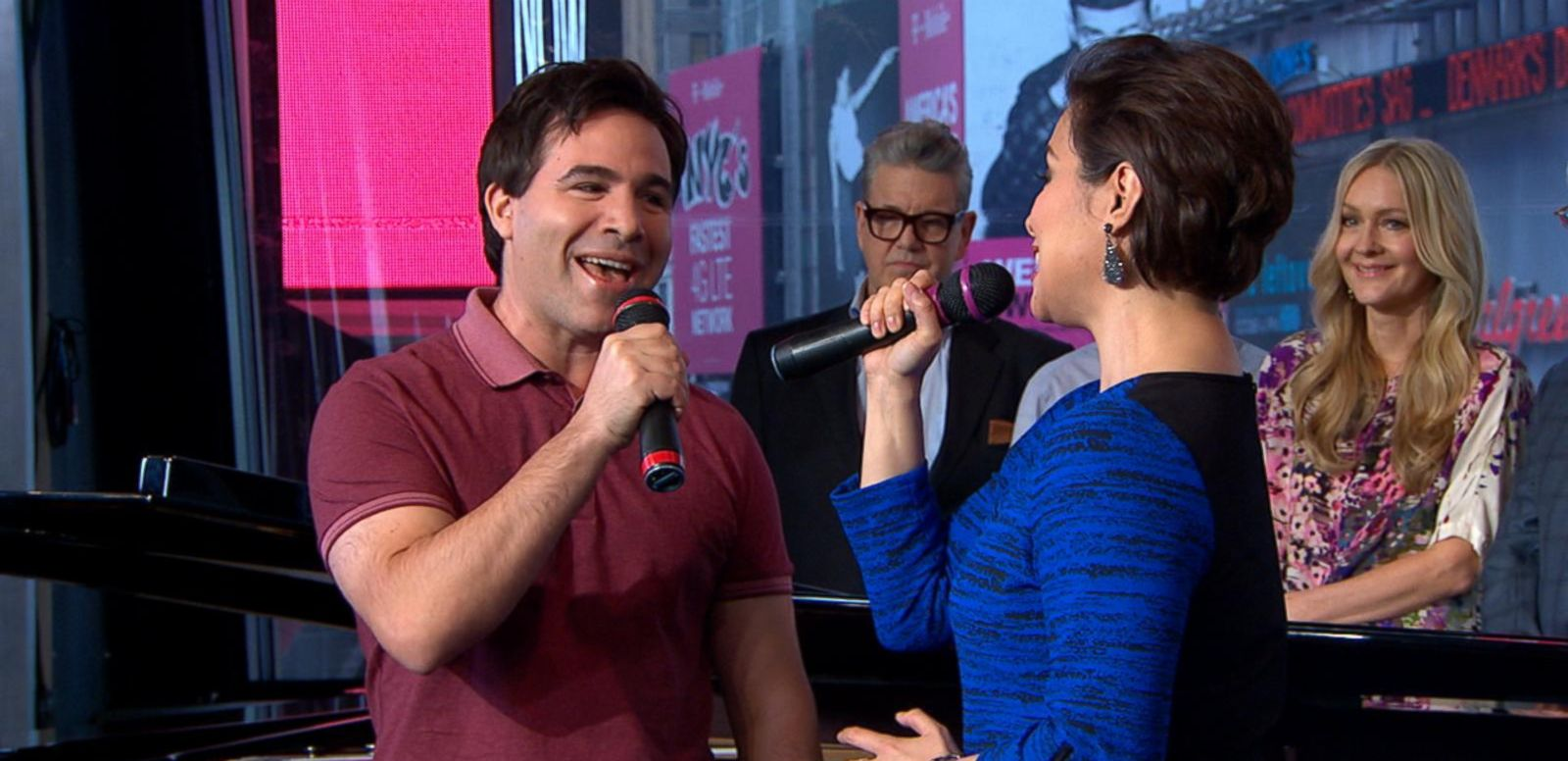 VIDEO: 'Aladdin' Cast Reunites for Iconic 'A Whole New World' Performance