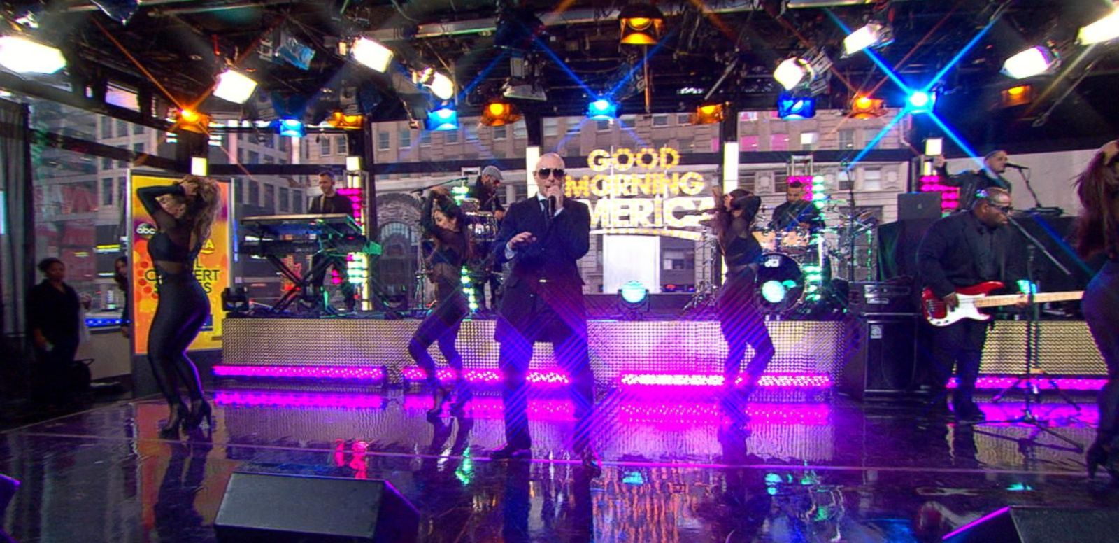 VIDEO: Pitbull Rocks Times Square