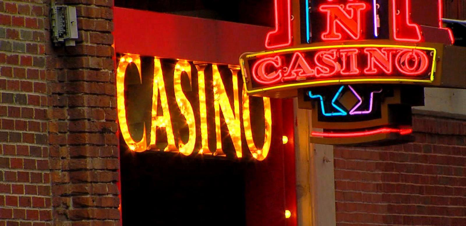 VIDEO: Thief Steals Half-Million Dollars From Detroit Casino