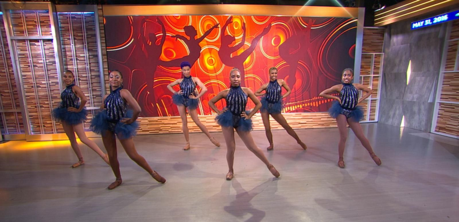 VIDEO: Hip Hop Ballet: Ballerinas Take on Jason Derulo Routine