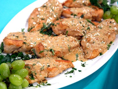 Chicken breasts with Dijon herb sauce