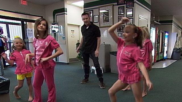 PHOTO:Stars of TLCs Dance Moms appear on Good Morning America.
