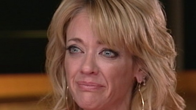 VIDEO: Lisa Robin Kelly, best known for playing Laurie Forman, denies charges.