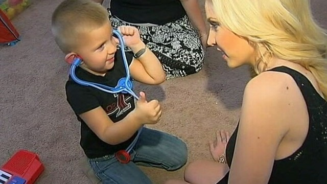 VIDEO: Three-Year-Old Calls 911 For Mom