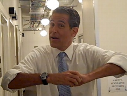 VIDEO: How to prevent a pregnant woman or obese person from choking.