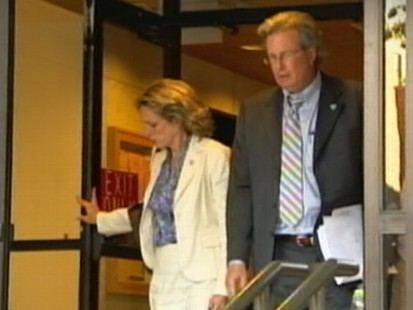 VIDEO: The only survivor of a 2007 Conn. home invasion, Dr. William Petit, testifies.