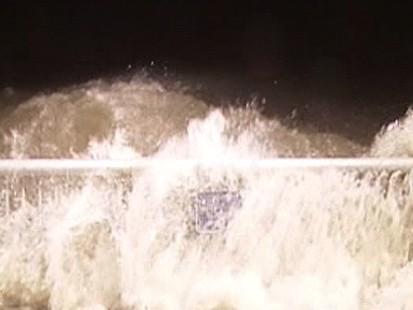 VIDEO: Gulf Coast residents wake up to pounding rain and severe flooding.
