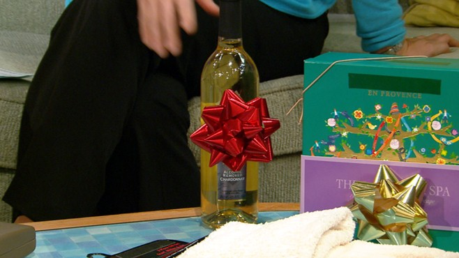 VIDEO: Juju Chang looks at when its appropriate to pass along a gift youve received.