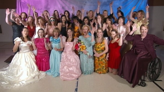 VIDEO: Mothers decision to try on her prom dress results in a big party for charity.