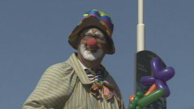 VIDEO: The clown says he did not steal the Apple founders property.