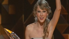 CMA Hosts Cut Loose, Spoof Kardashian, Bieber