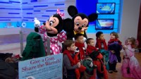 VIDEO: Actress Madison Pettis joins the famous mice on the last day of the coat drive.