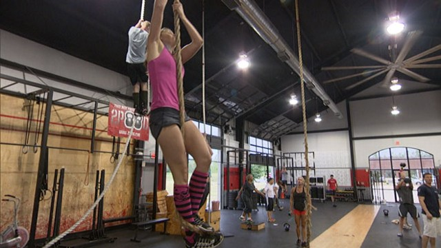 VIDEO: ABC News Dr. Richard Besser discusses the risks of the popular extreme fitness program.