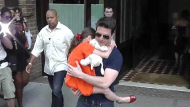 VIDEO: The actor was spotted taking his daughter to gymnastics class in New York.