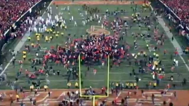 VIDEO: Thousands tore down goalposts after Okla. States win.