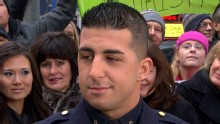 Good Morning America: GMA 11/30: NYPD Officer's Act of Kindness Goes Viral