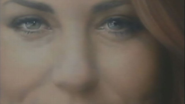 VIDEO: Kate Middleton?s First Royal Portrait Revealed