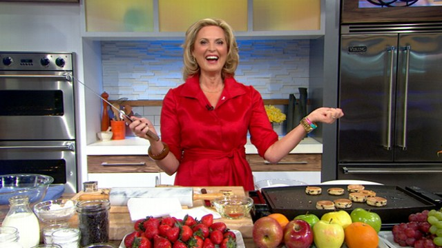 """VIDEO: The guest host saves her Welsh cakes from burning in the """"GMA"""" kitchen."""