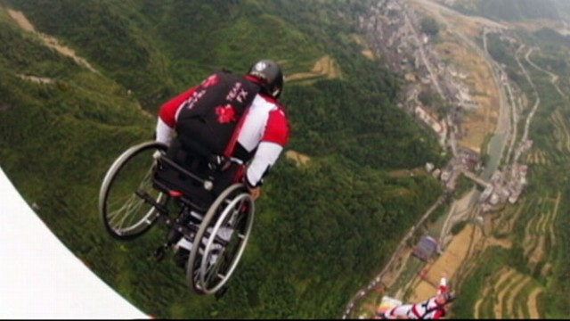VIDEO: Paralyzed BASE Jumper Keeps Jumping