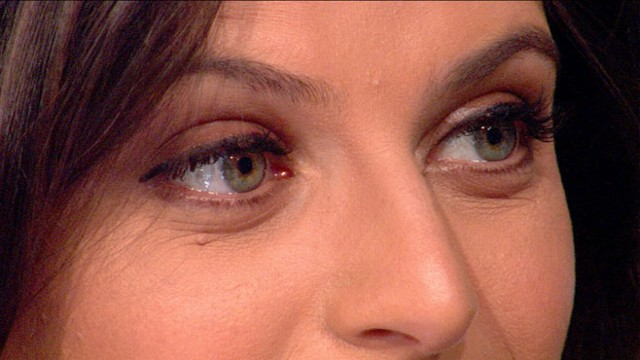 VIDEO: Women rush to the doctors office to get fuller lashes.