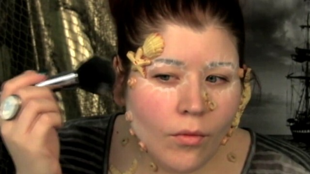 VIDEO: Goldie Starling, 30, transforms herself into Davy Jones in elaborate makeup tutorial.