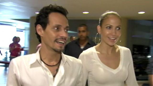 VIDEO: Musician explains working with Jennifer Lopez shortly after filing for divorce.
