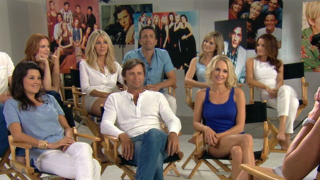 VIDEO: Entertainment Weekly welcomes cast back together from classic TV show.