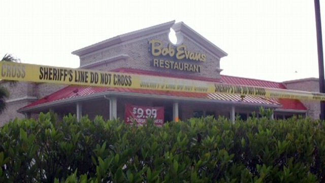 VIDEO: Florida Restaurant Evacuated from Potential Sinkhole
