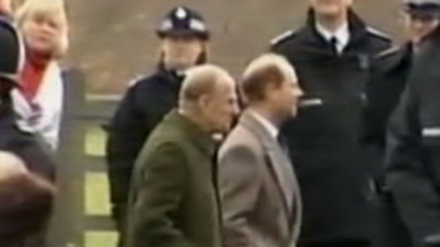 VIDEO: Queen Elizabeths husband rejoins royal family for holiday after health scare.