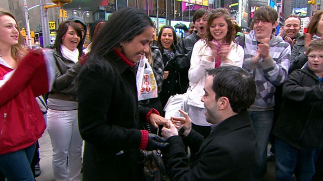 """VIDEO: Onlookers cheer as one """"GMA"""" fan says yes to anothers wedding proposal."""