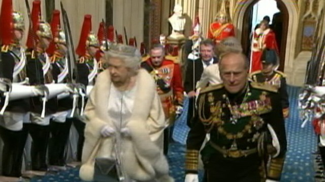 VIDEO: The queen addressed Parliament in a diamond-studded crown.