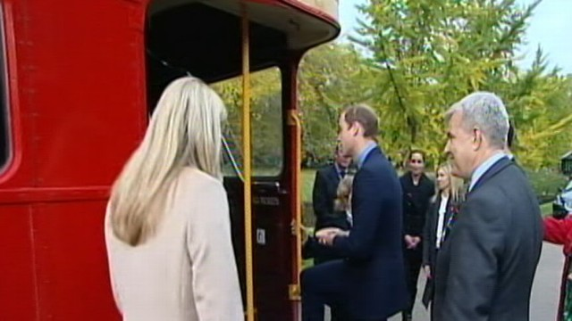 VIDEO: The royal commuters took the bus from the palace to a London train station for Poppy Day.
