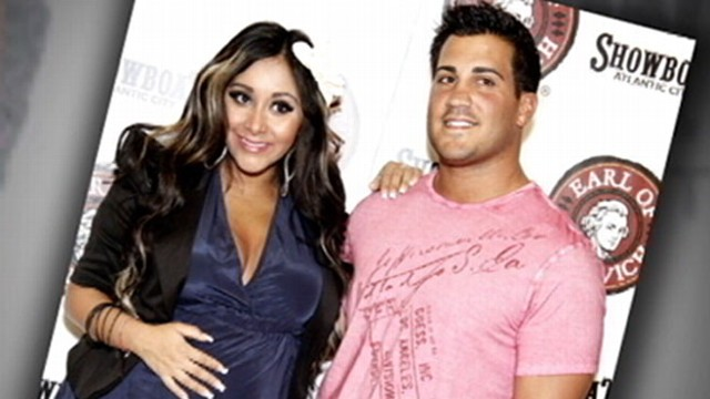 "VIDEO: ""Jersey Shore"" star gives birth to a baby boy."