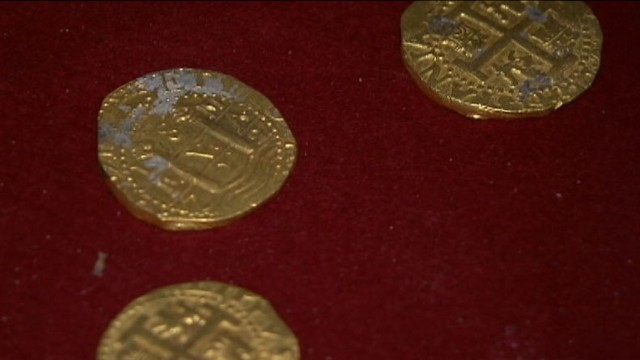VIDEO: The Schmitt family found nearly a half million dollars worth of riches off the east coast of Florida.
