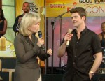 A picture of Diane Sawyer interviewing Robin Thicke.
