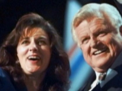 VIDEO: Ted Kennedy Dies of Brain Cancer at Age 77