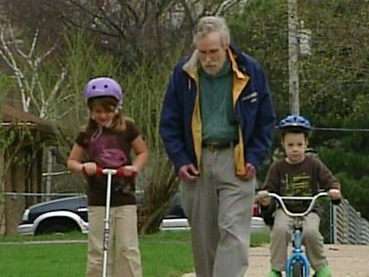 VIDEO: Man with Parkinsons disease gets some help from his neighbors.
