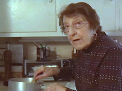 VIDEO: Grandmas Tricks to Save in the Kitchen