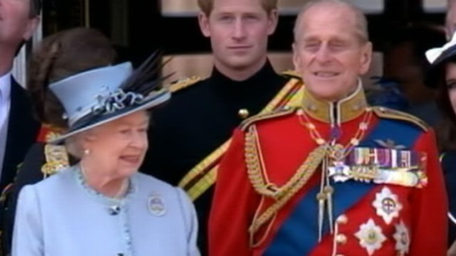 VIDEO: The prince tells a reporter that the queen needs his grandfather.