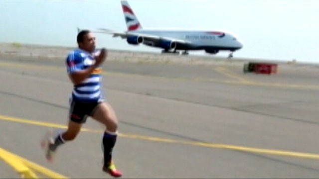 VIDEO: Rugby player Bryan Habana raced a cheetah and now goes up against British Airways new A380.