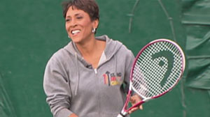 PHOTO Fit at 50: GMA Anchor Robin Roberts gets tips for staying healthy.