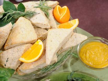 scones and orange curd