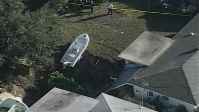 VIDEO: The sinkhole in Dunedin, Fla., has prompted the evacuation of six homes.