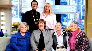 "PHOTO ""Good Morning America"" co-anchor Robin Roberts sat down with a group of sisters who are all battling breast cancer."