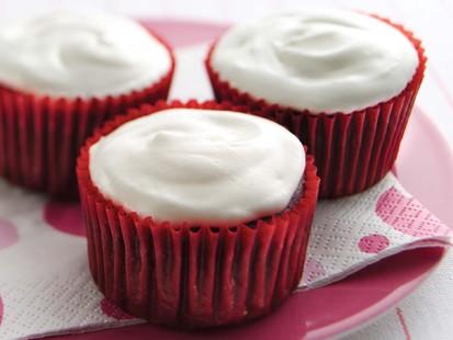 PHOTO Hungry Girls Red Velvet Insanity Cupcakes