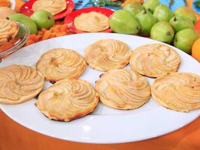 PHOTO Pear Tartlets with Homemade Cr??me Fraiche