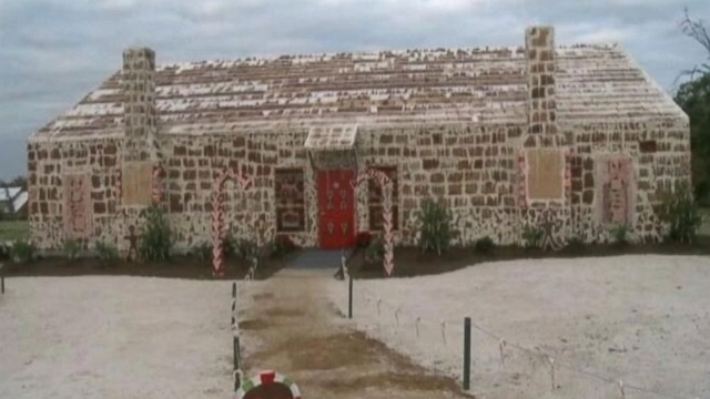 The worlds largest gingerbread house is 22-feet-tall and contains 39,201.8 cubic square feet of gingerbread.