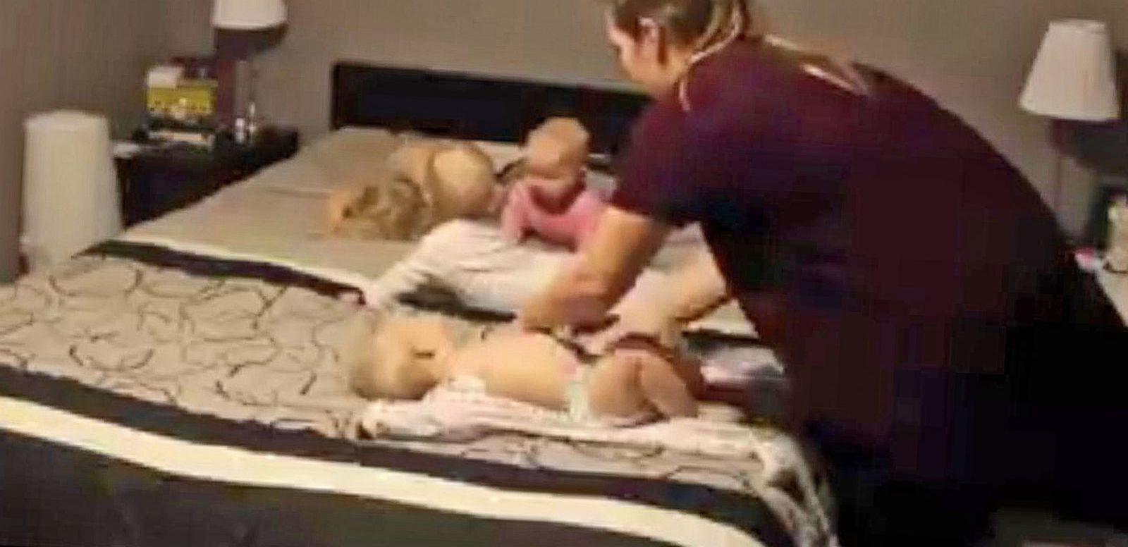VIDEO: Super Mom Getting Her Four Toddlers Ready for Bed Goes Super Viral